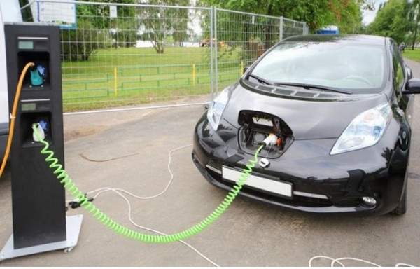 Не забывайте про кабель для зарядки электромобиля